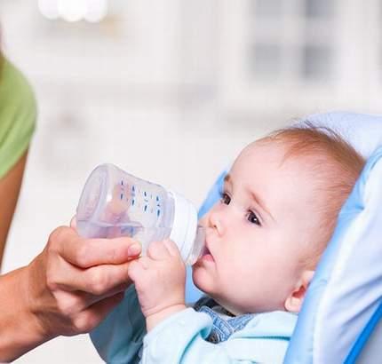 hidratarea pentru prevenirea fisurilor anale la copii